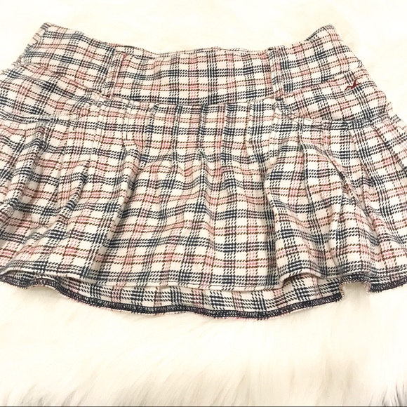 Hollister Dresses & Skirts - HOLLISTER Plaid Pleated Flared Mini Skirt